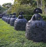 Doral expone en parques públicos esculturas monumentales del maestro español Manolo Valdés